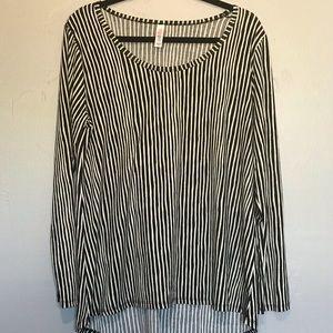 LuLaRoe Classic Striped Top Geometric XL